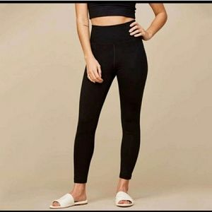 For @thriftybetch Girlfriend Collective Leggings